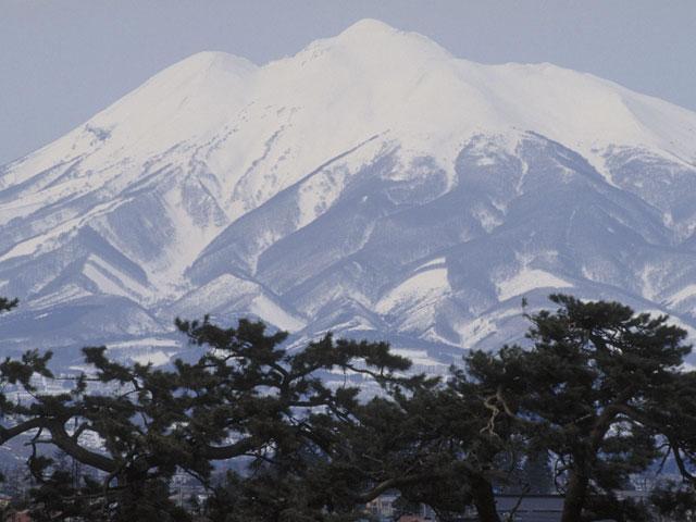 岩木山(いわきさん)とは - コト...